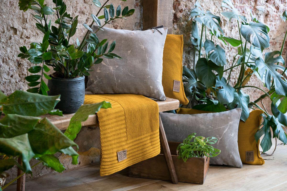 james cushion light grey 50x50