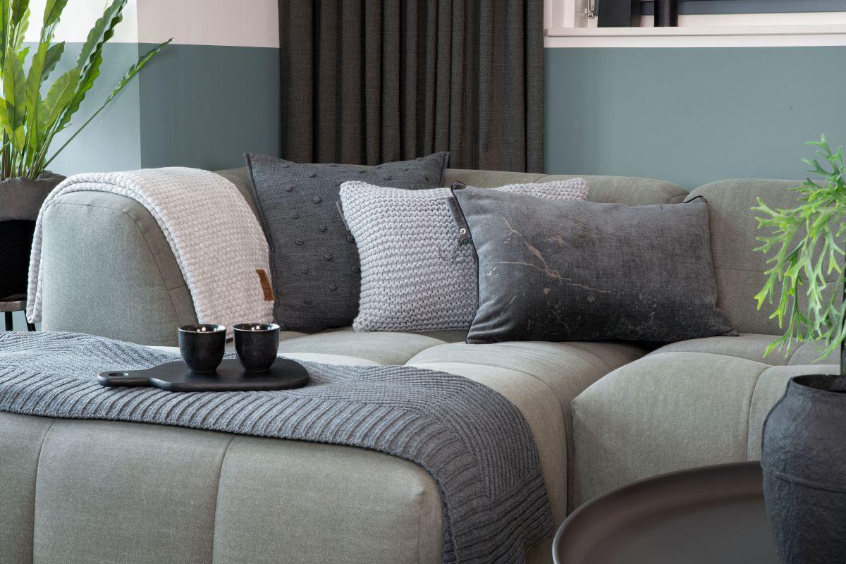 14213 knit factory james kussen 60x40 3