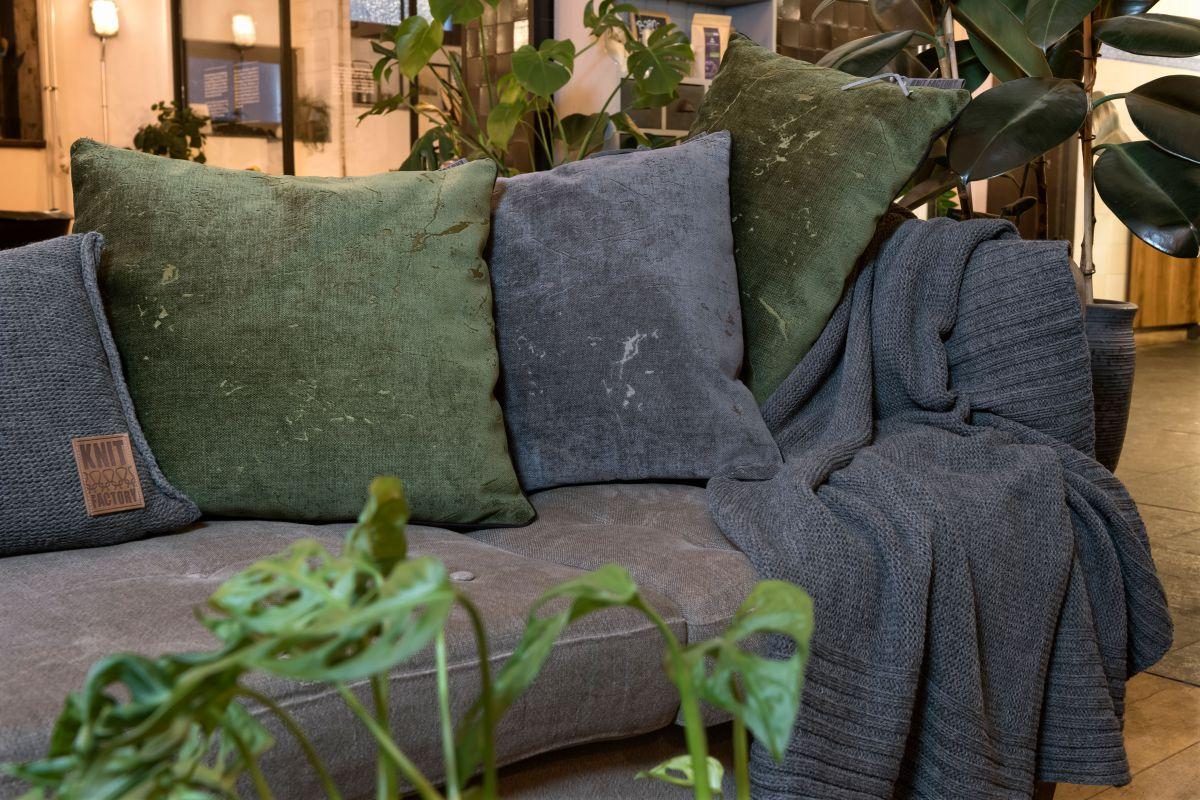 knit factory 1421214 james kussen 50x50 groen 3