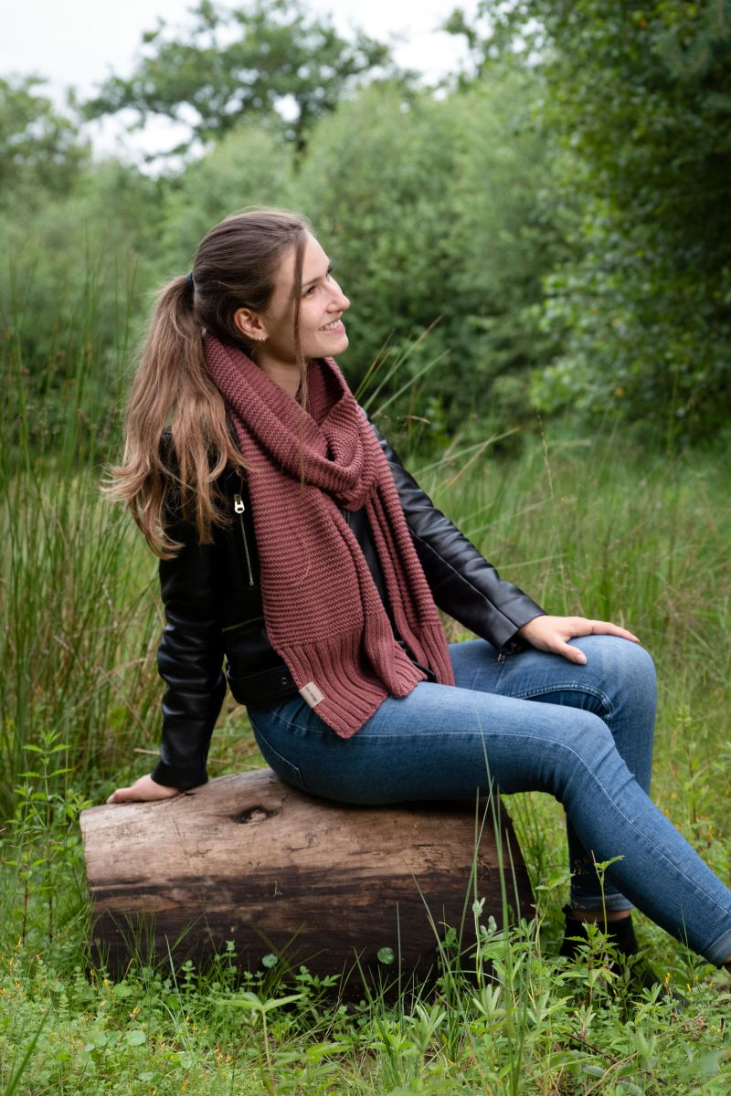 jamie scarf stone red