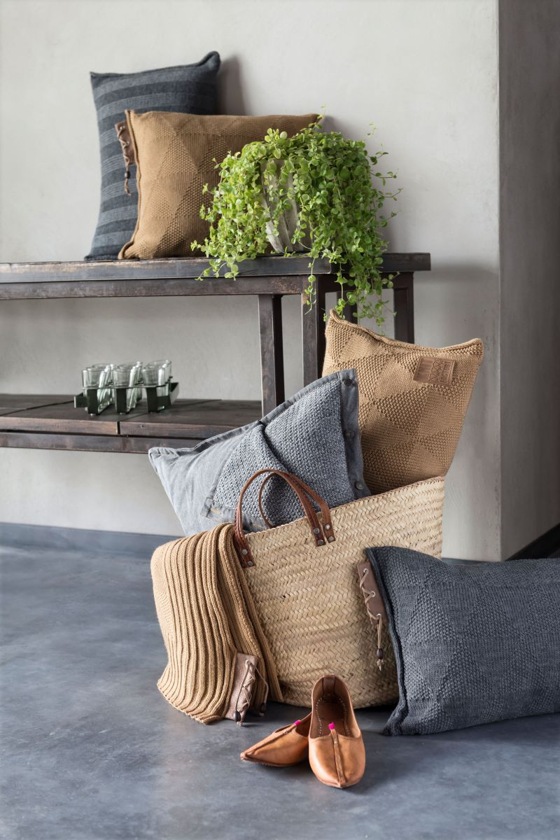 jay cushion ochre 50x50