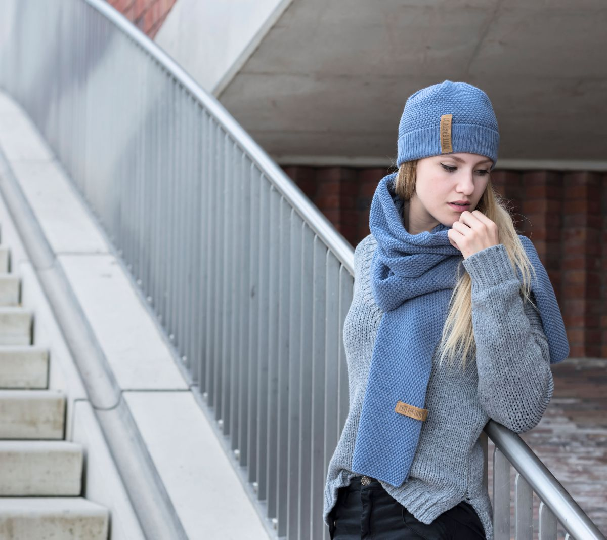 knit factory 1236532 jazz sjaal indigo 4