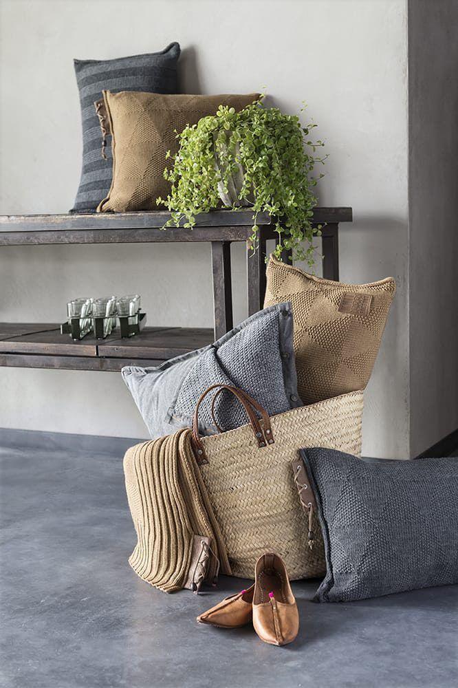 jesse cushion light grey 60x40