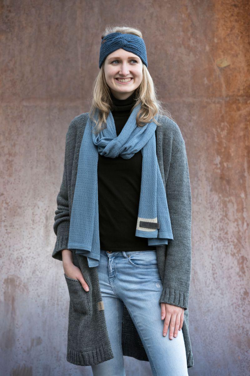 knit factory 1416505 june sjaal stone blue 5