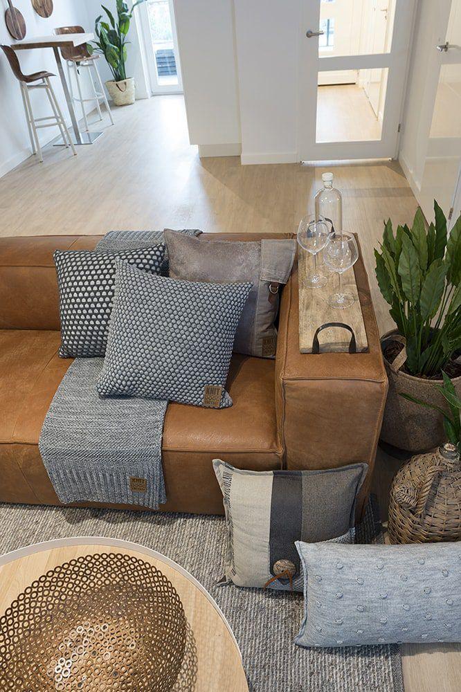 juul cushion light greybeige 50x50