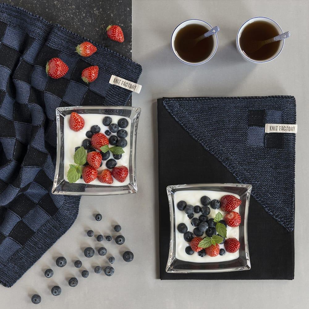 20100 knit factory keukendoek block zwart 4