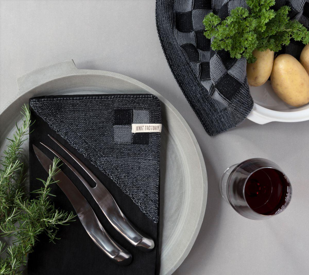 20100 knit factory keukendoek block zwart 8