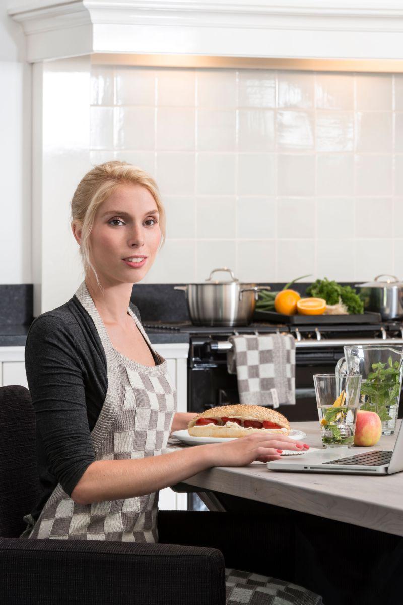 20104 knit factory keukenschort grote blok 2 kleuren ecru 6