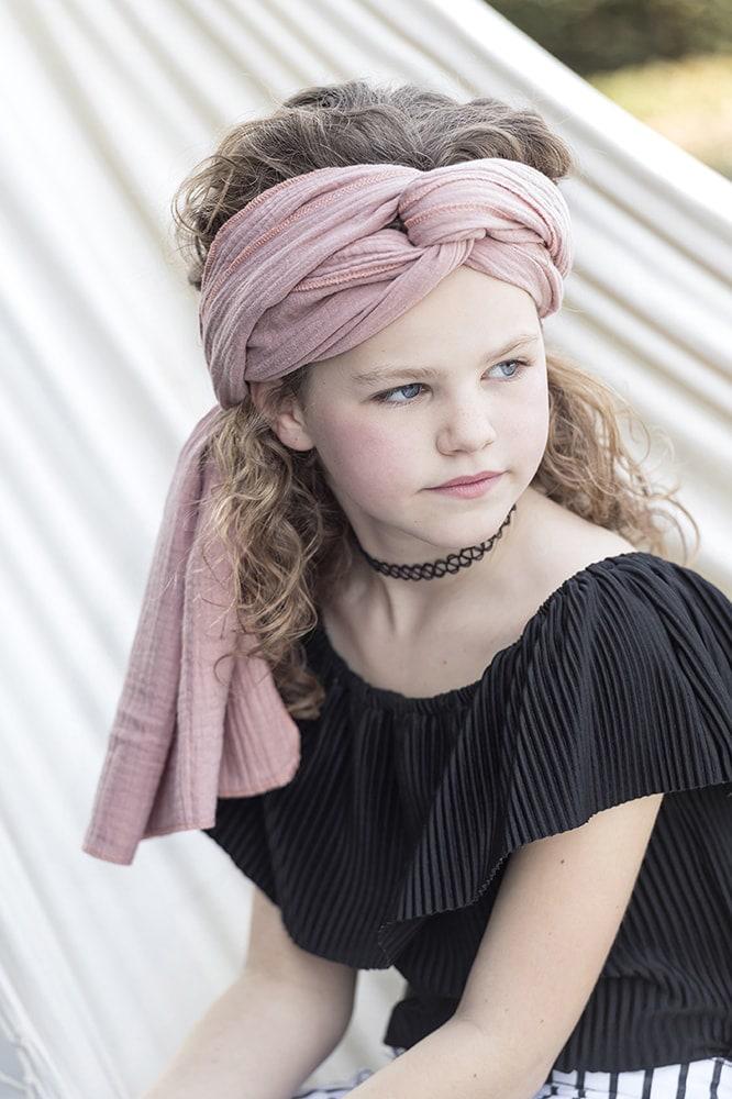 liv scarf pink