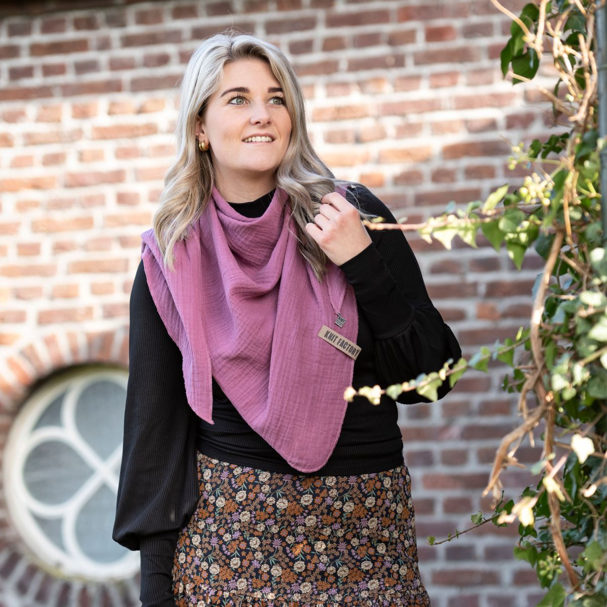 liv triangle scarf citrus