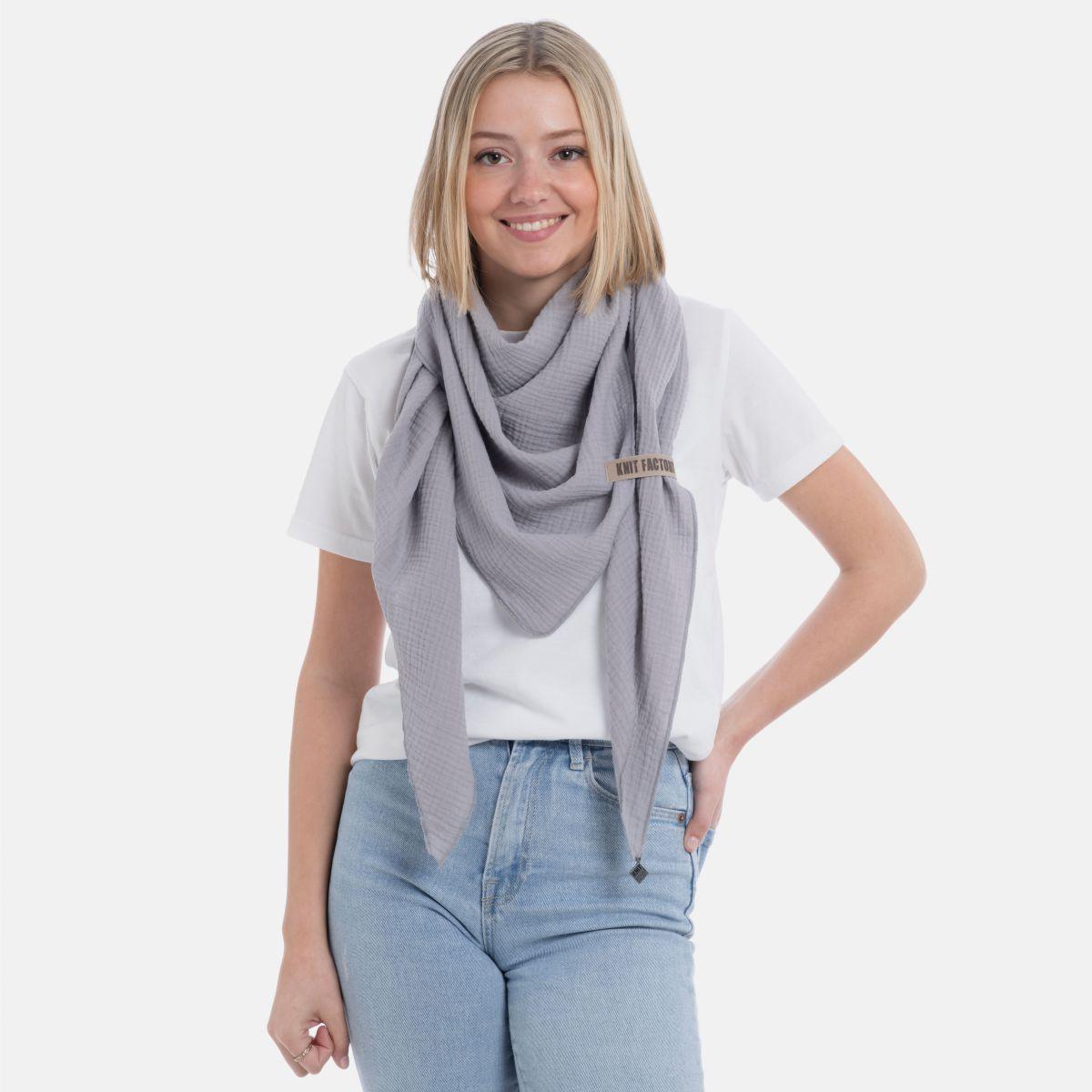 liv triangle scarf grey