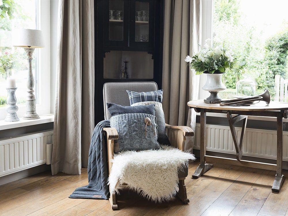 lois cushion 60x40 chequered black