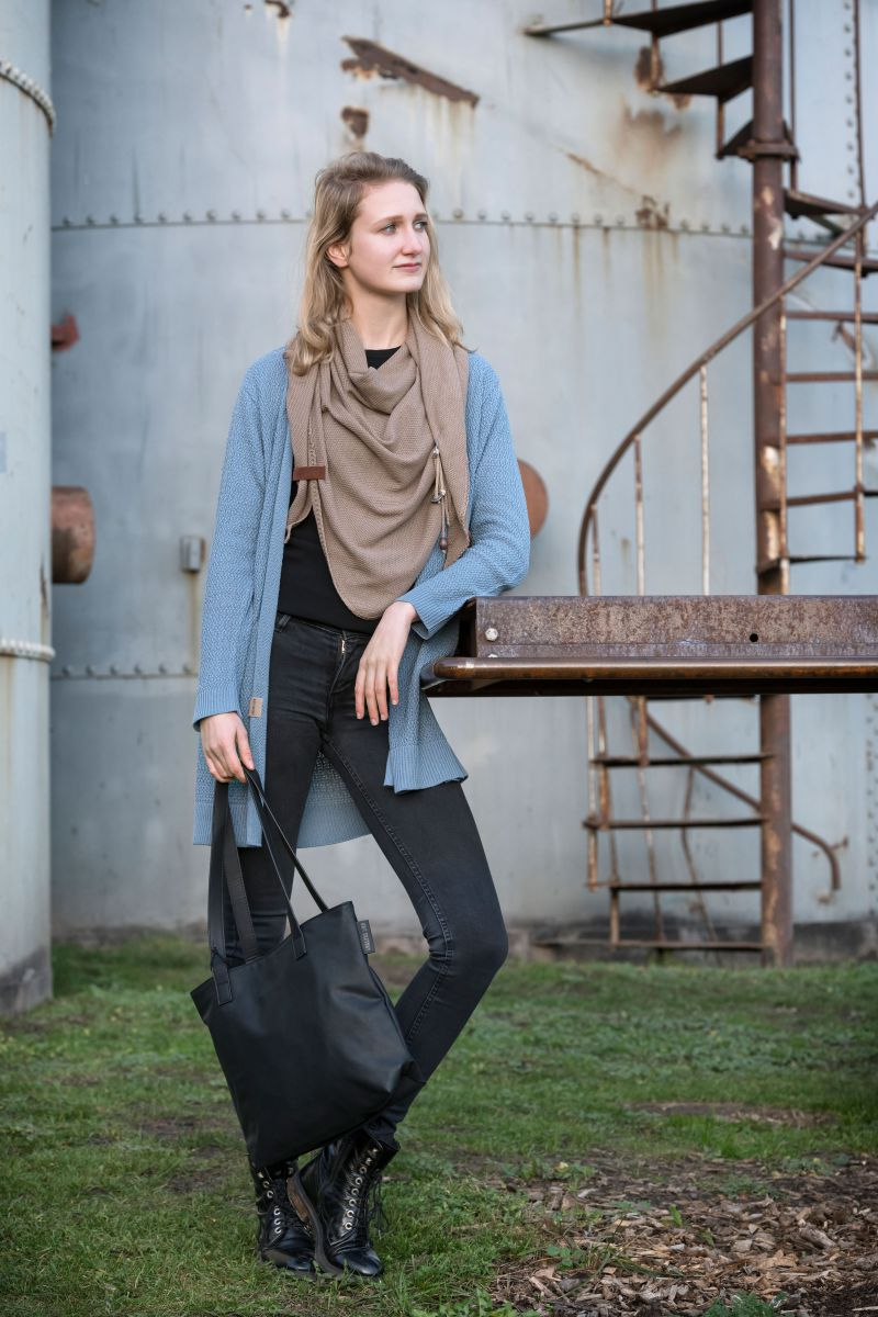 knit factory 1306020 lola omslagdoek new camel 3
