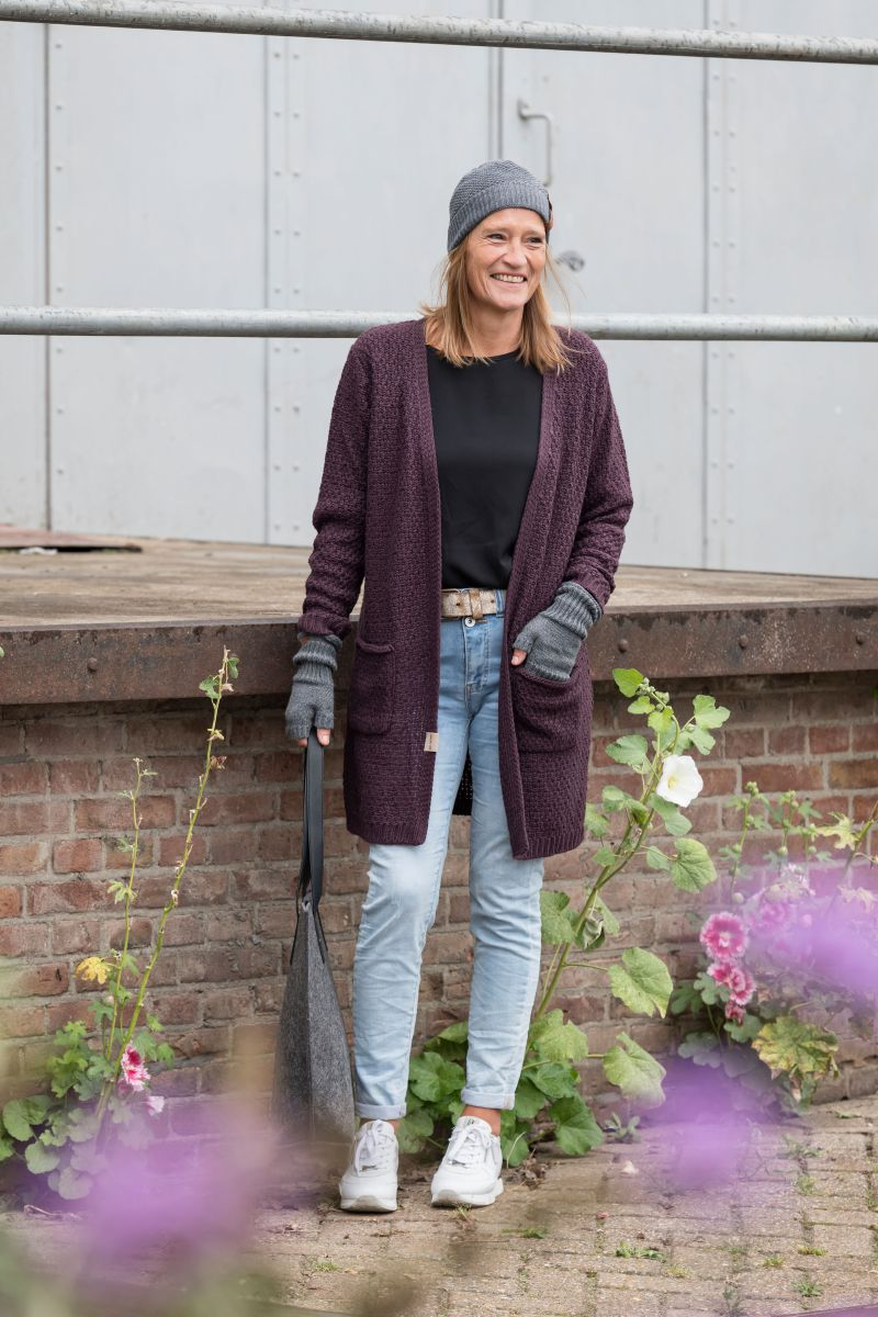 luna knitted cardigan aubergine 3638 with side pockets