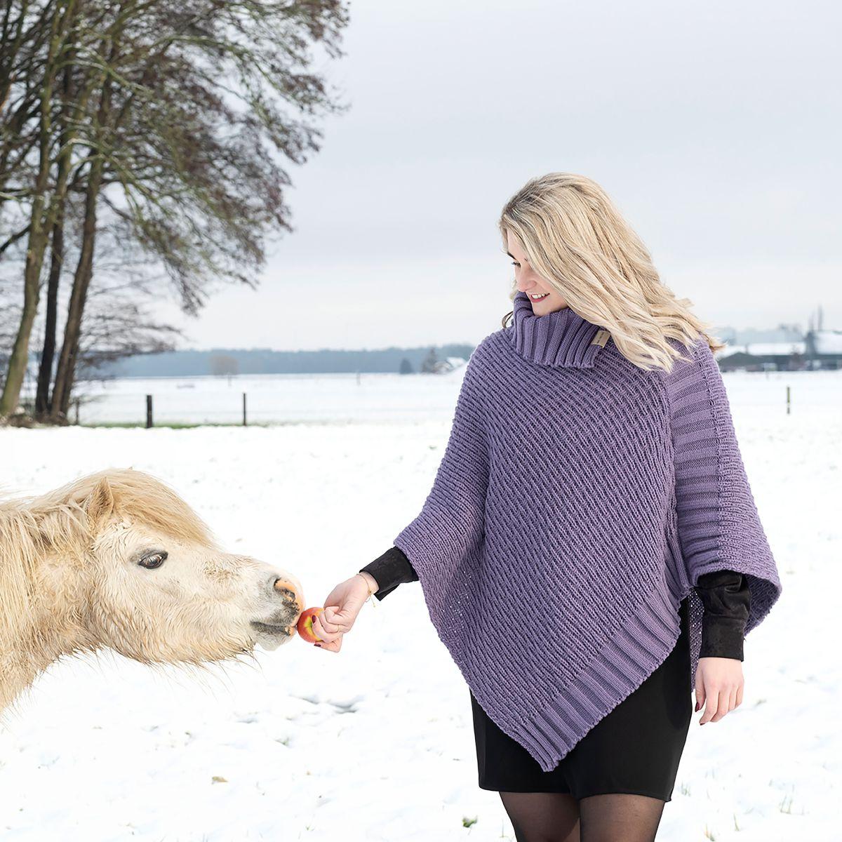 knit factory kf14806204350 nicky gebreide poncho violet 2