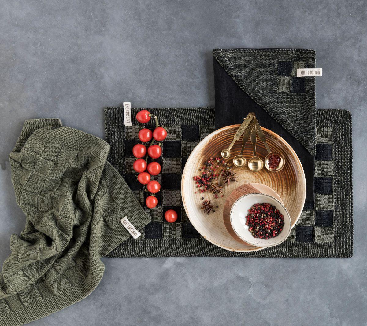 20102 knit factory placemat grote blok 2 kleuren zwart 1