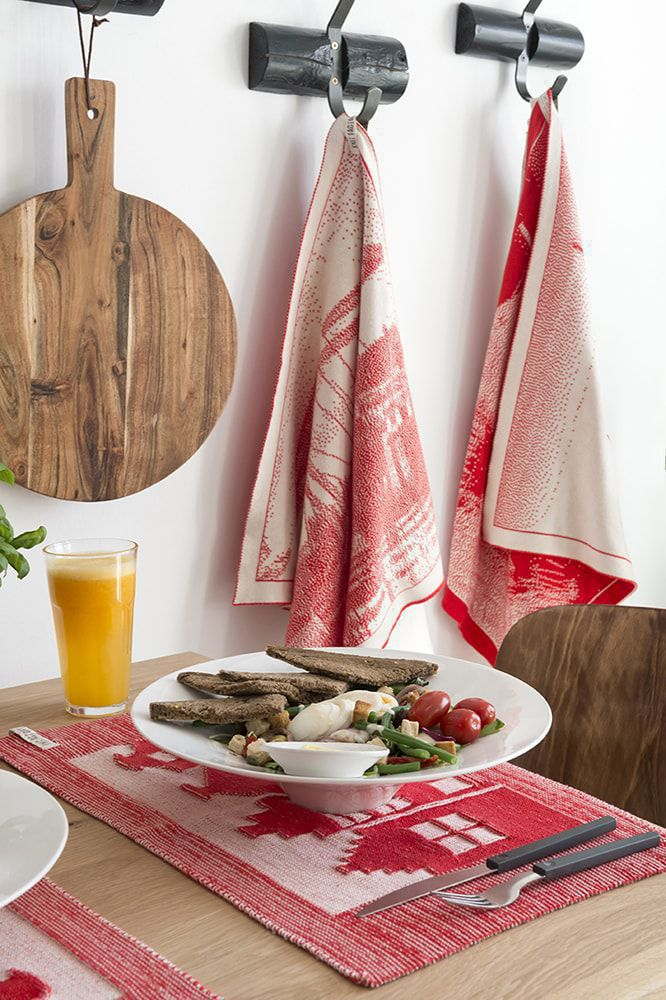placemat house ecrujeans