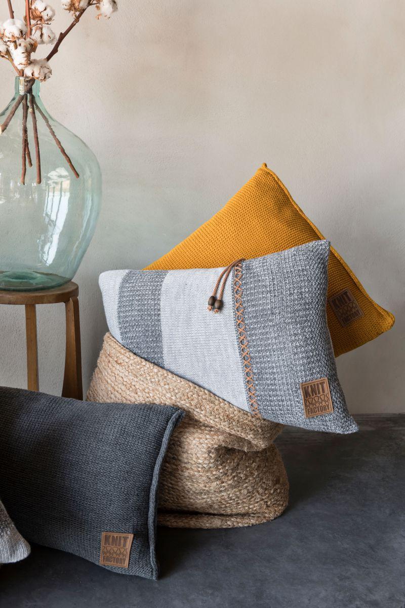 knit factory 1311351 roxx kussen 60x40 grijs antraciet 4