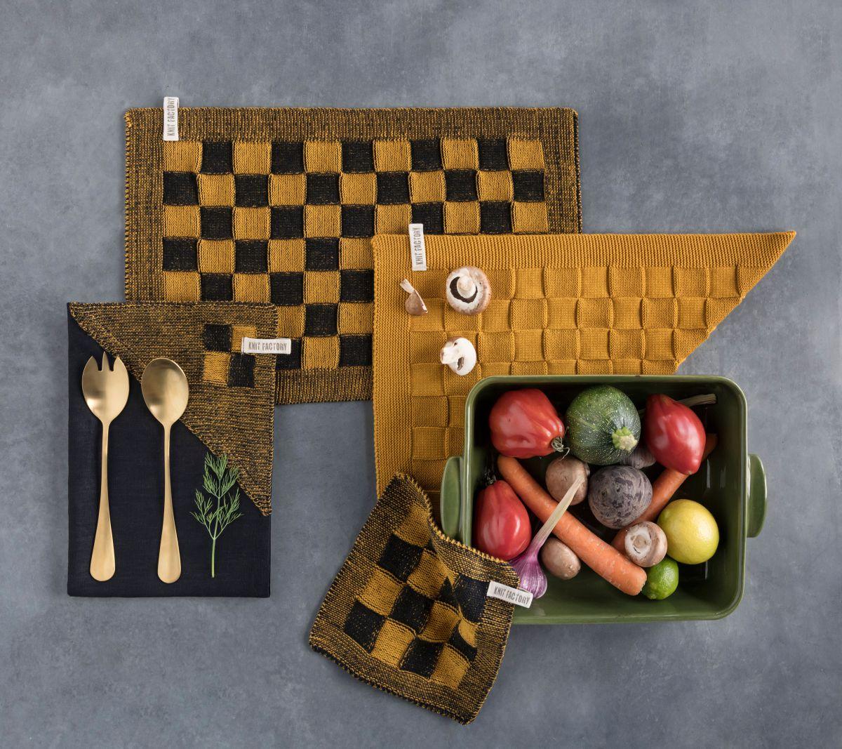 20101 knit factory theedoek grote blok 2 kleuren zwart 3
