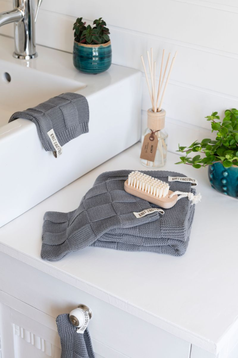 towel ivy stone green 60x110