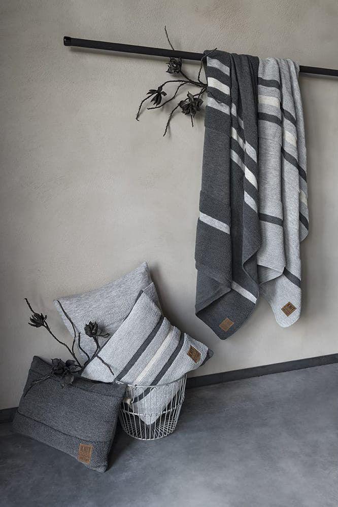 yara plaid light grey
