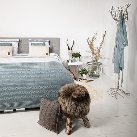 Knit Factory bed plaid Sasha collectie