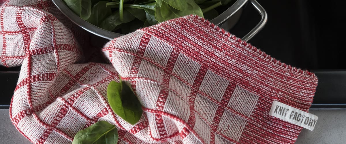 knit-factory-kitchen-towel-alice-2