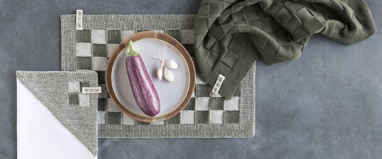 knit-factory-kuche-grossen-block